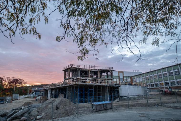 Grâce à son nouveau bâtiment ultraspécialisé, lequel est présentement en construction, l'UdeS sera un partenaire de choix pour tout projet en quantique.