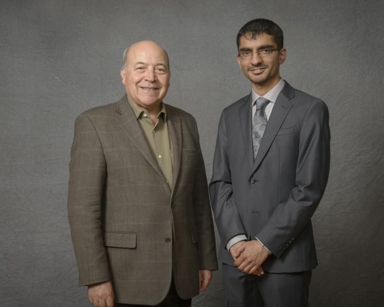 Le Pr Abdenour Nabid en compagnie d'un des boursiers, Sukhmanjit Ghumman, étudiant à la maîtrise en sciences des radiations et imagerie biomédicale.