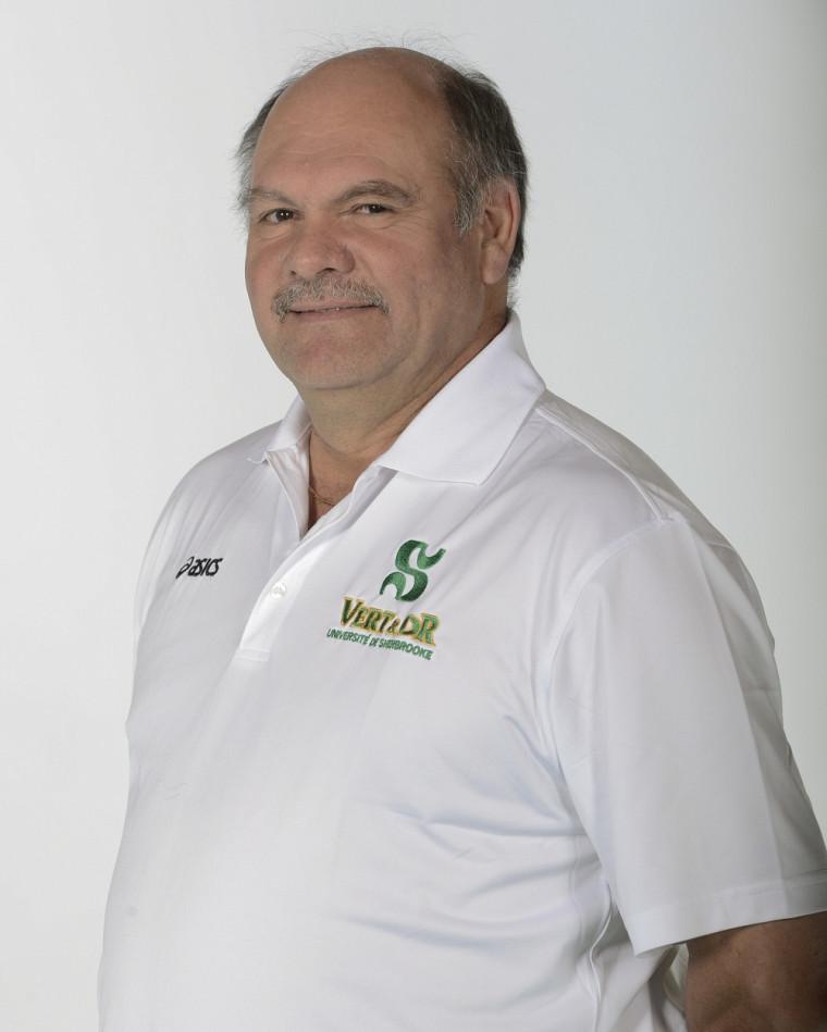 Le pilote de l'équipe de volleyball féminin Vert&Or Denis Fontaine continue d'évaluer et de préparer ses joueuses en vue du début officiel de la saison dans trois semaines.