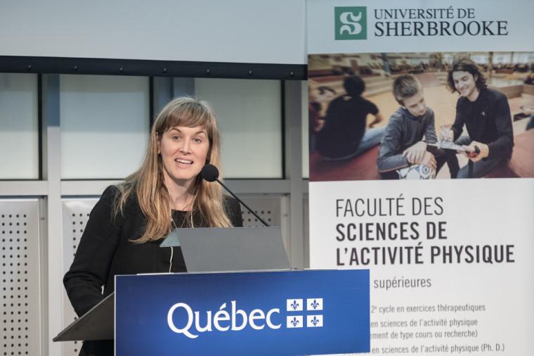 La professeure Isabelle Dionne, doyenne de la Faculté des sciences de l'activité physique.