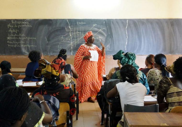 Des reculs importants ont été observés à l'échelle de la planète concernant l'accès aux méthodes contraceptives, à l'avortement et aux soins en matière de santé sexuelle, dont des ateliers de sensibilisation dans les écoles, pour les femmes pendant la pandémie de COVID-19.