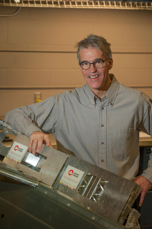 Le titulaire de la Chaire de recherche CRSNG en conception pour l'aluminium, Alain Desrochers, ing.