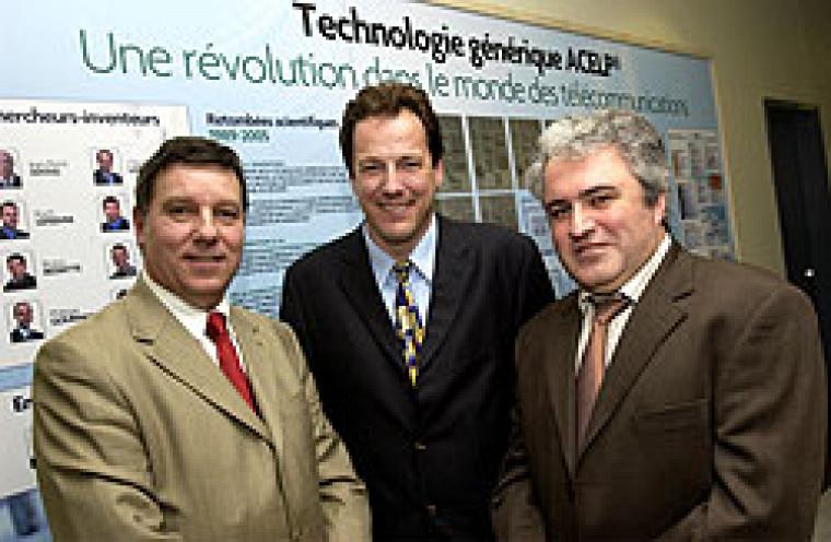 Le doyen Gérard Lachiver, Sylvain Desjardins, vice-président exécutif de VoiceAge, et Laurent Amar, président de VoiceAge.  Photo : Roger Lafontaine