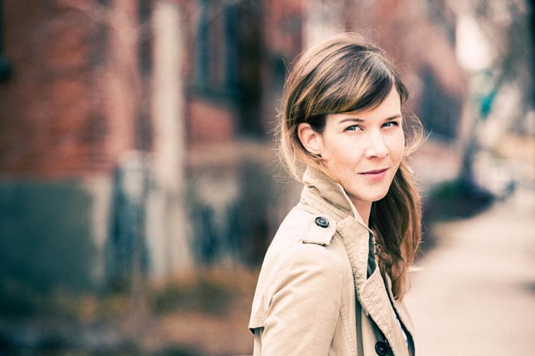 Sarah Rocheville, professeure au Département des lettres et communications de l'Université de Sherbrooke