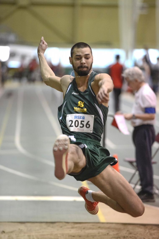 Olivier Huet a remporté la médaille d'or au triple saut samedi à Edmonton dans le cadre du Championnat SIC d'athlétisme 2013.