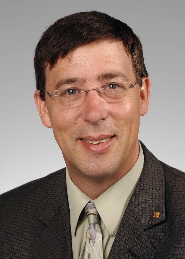 Le professeur Jean-Pierre Perreault