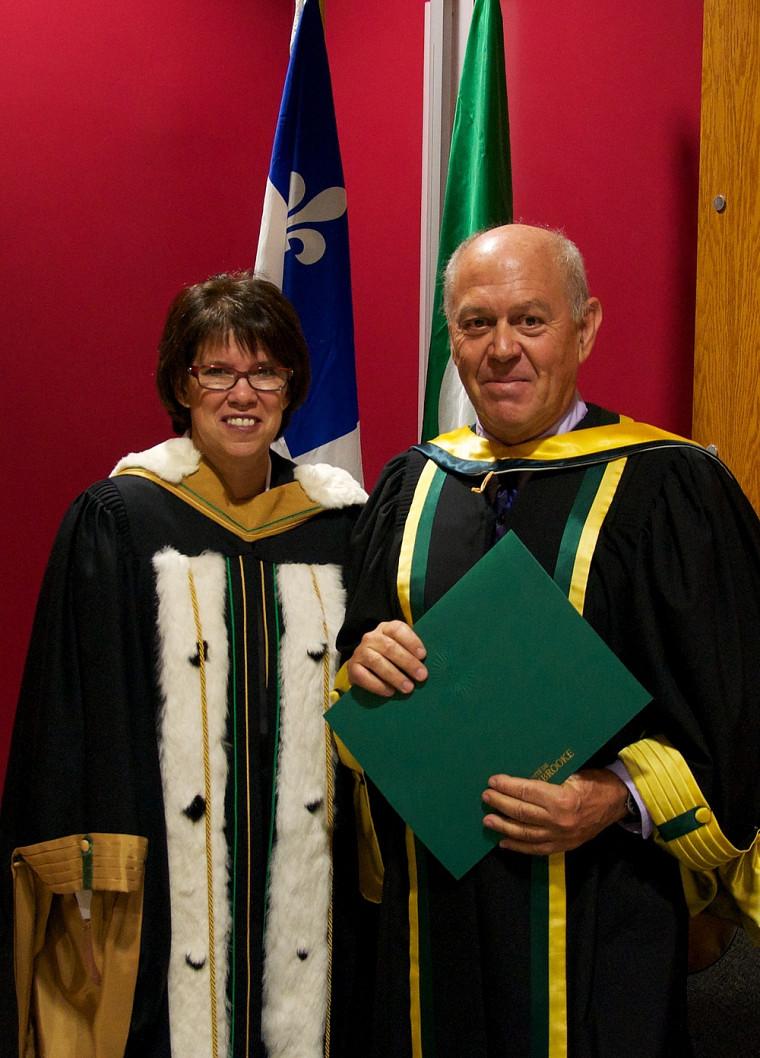 La rectrice Luce Samoisette et Alain Senteni, docteur d'honneur en éducation.