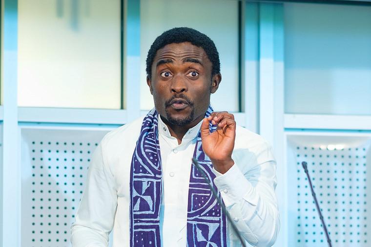 Romaric Armel Mouafo Tchinda, doctorant de la Faculté des sciences, remporte la première place.