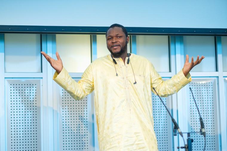 Mahamadou Dembele, doctorant de la Faculté de génie, a raconté une histoire qui lui a valu le Prix du public.