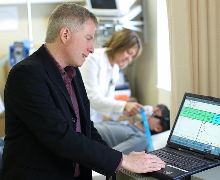 Le DrAndré Carpentier, professeur à l'Université de Sherbrooke et chercheur au Centre de recherche clinique Étienne-LeBel du CHUS.