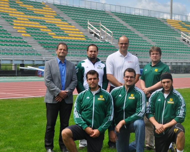 L'équipe de football Vert&Or et le SSAP ont annoncé mardi l'ajout de 3553sièges permanents et d'un nouvel écran géant dans le stade de l'UdeS.