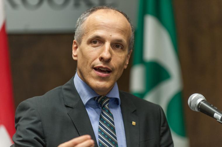 Le recteur de l'UdeS, Pierre Cossette