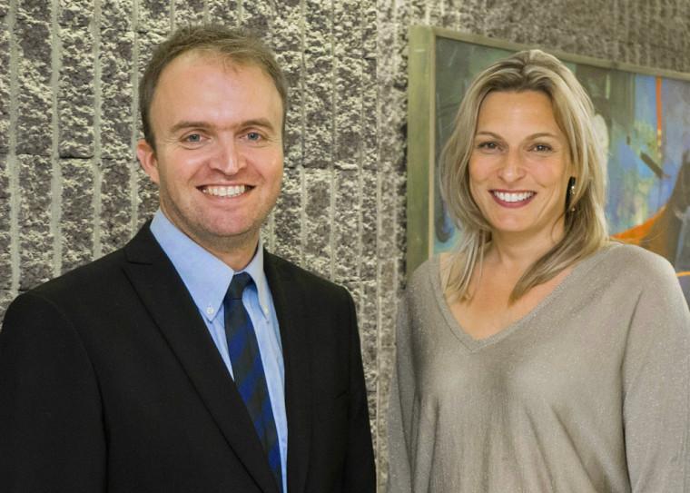 David Pavot, chargé de cours, et Geneviève Dufour, professeure à la Faculté de droit