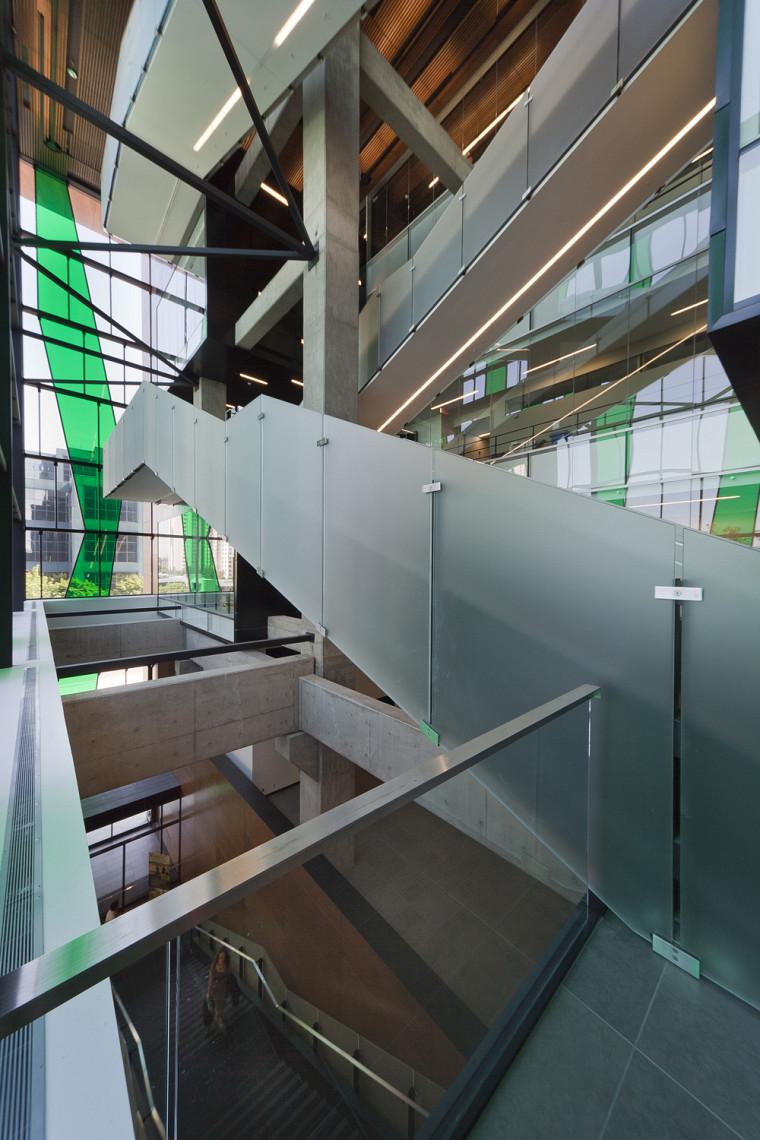 Vertical et convivial, deux caractéristiques originales du Campus de Longueuil.