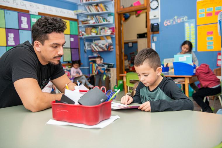 Chaque élève devrait disposer des meilleures conditions possible pour développer ses compétences en littératie, soutiennent les spécialistes.