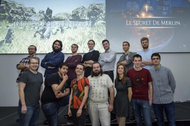 Le groupe de finissants du diplôme en développement de jeu vidéo