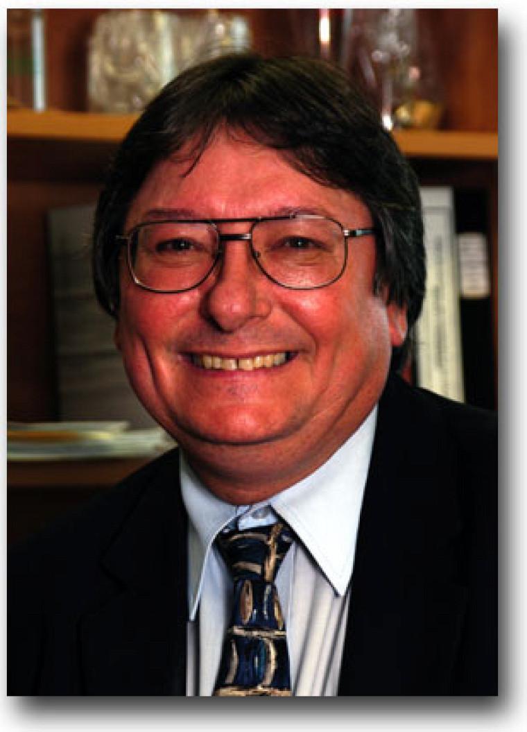 Le professeur Jean Desrochers de la faculté d'administration