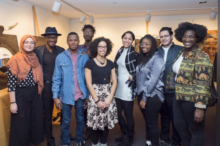 Quelques membres du Collectif du MHNUS en compagnie des artistes de l'exposition présents au vernissage.