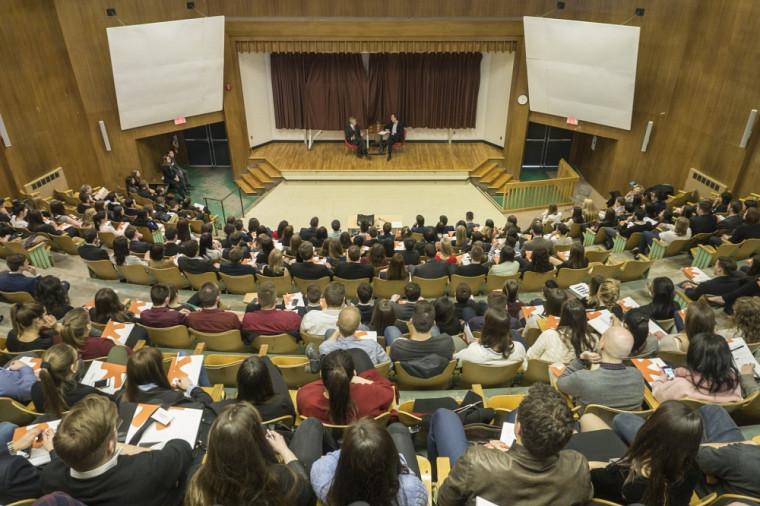 Quelque 300 étudiants provenant des six facultés de droit civil au Canada se sont réunis à Sherbrooke.