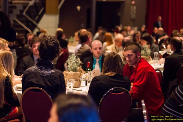 Joignez l'utile à l'agréable, lors du souper-bénéfice de la Fondation FORCE, le mardi 31 mars en soirée.