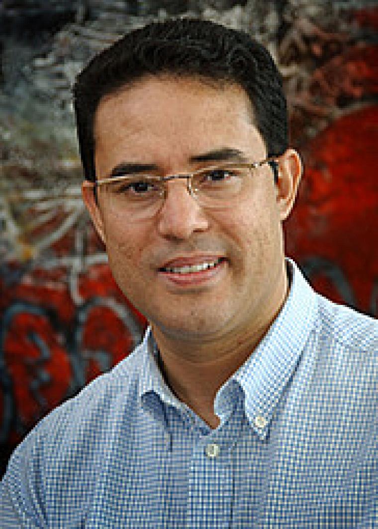 Le professeur Aziz Aris