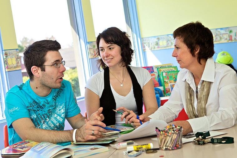 À chaque année, la Clinique Pierre-H.-Ruel permet à plus de 300 étudiantes et étudiants d'offrir des services à une cinquantaine d'enfants et d'adultes de la communauté sherbrookoise.