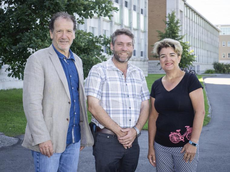 M. Luc Raîche, Directeur du développement de la Faculté des sciences, M. Daniel Bergeron et Pre Carole Beaulieu, doyenne de la Faculté.