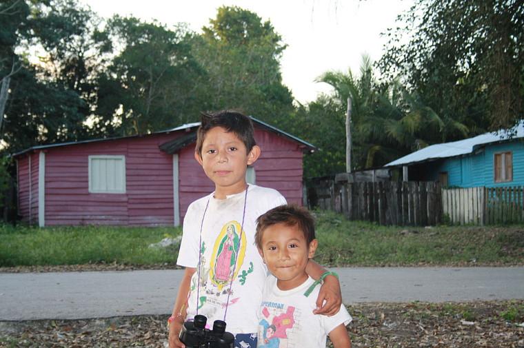 Les voisins, Manuel et Gordo