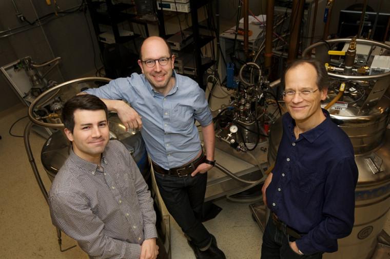 Trois physiciens sherbrookois dont nous n'avons pas fini d'entendre parler: Gaël Grissonnanche, Nicolas Doiron-Leyraud et Louis Taillefer.