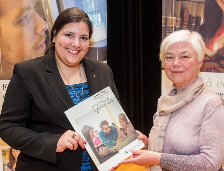 Caroline Hébert, récipiendaire 2014 de la bourse Ginette et Serge Racicot, accompagnée de Mme Ginette Racicot.