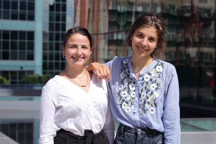 Natalia (gauche) et Léa (droite).