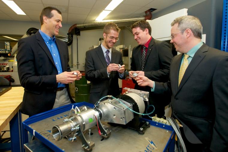 Les quatre chercheurs à l'origine du ramjet rotatif : Martin Brouillette, David Rancourt, Mathieu Picard et Jean-Sébastien Plante.