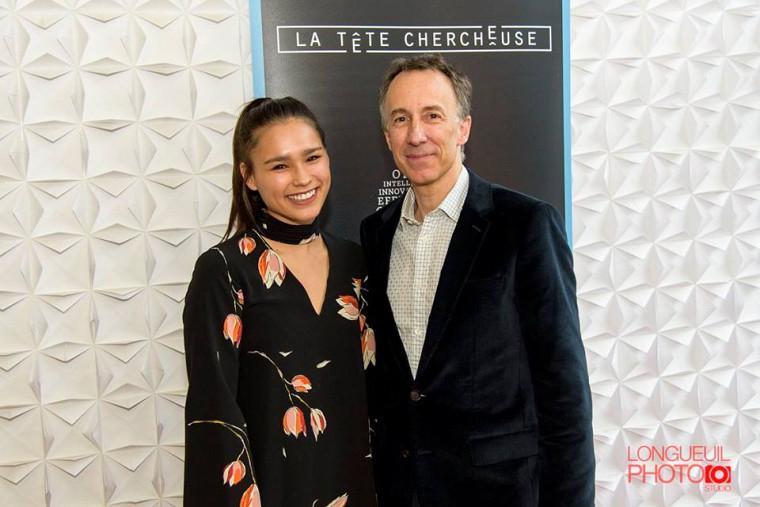 Gabriella Han a remporté le prix Louis-Éric Vallée 2017. Elle est ici photographiée en compagnie de Jacques Labelle (agence TAXI).