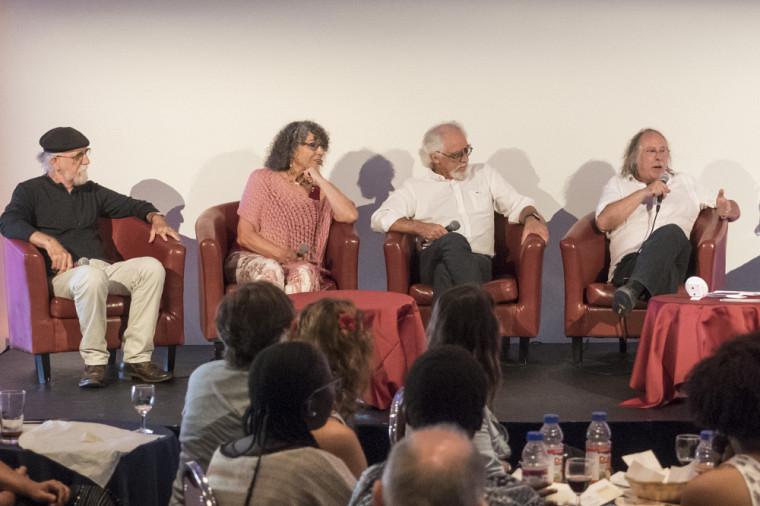 Lors du vernissage d'Autour de COZIK : Gilles Mihalcean, lauréat 2011 du prix Paul-Émile-Borduas, COZIC (Monic Brassard, Yvon Cozic), lauréats 2015 du prix Paul-Émile-Borduas, et Michel Goulet, lauréat 1990 du prix Paul-Émile-Borduas.