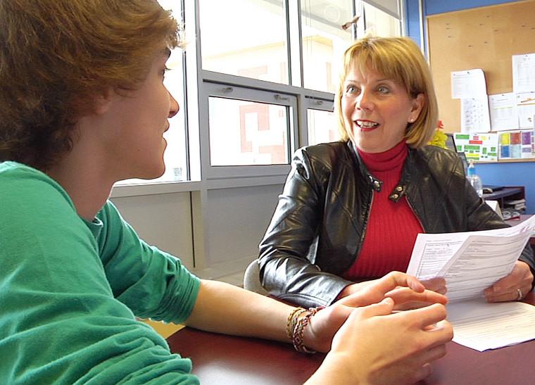 Toutes les deux semaines, l'accompagnateur rencontre son élève et focalise sur son encadrement à l'aide d'un bilan personnalisé.
