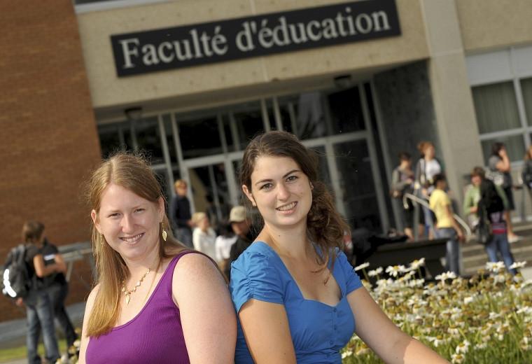 Karine Bénard et Catherine Quirion, étudiantes au baccalauréat en enseignement au secondaire, profil français langue d'enseignement.