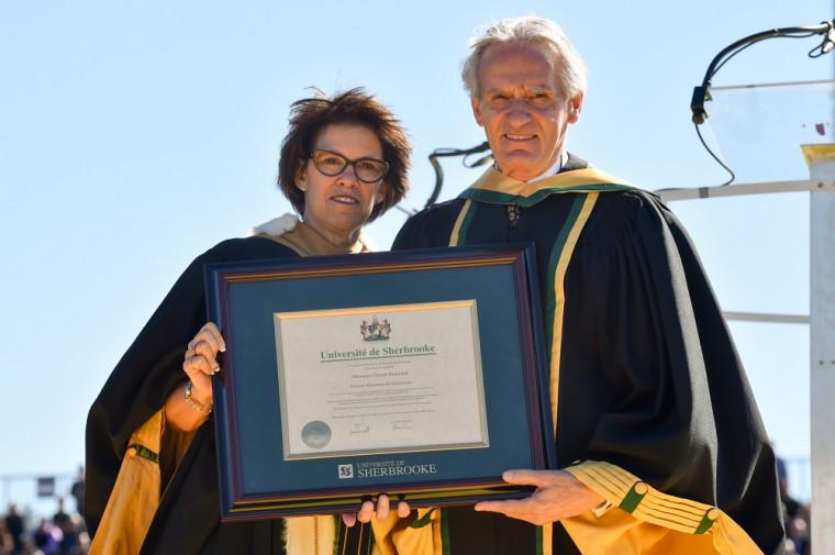 La rectrice Luce Samoisette a décerné un doctorat d'honneur institutionnel au professeurGérard Bouchard, historien, sociologue et écrivain. Sept personnalités d'exception ont reçu le titre de docteur honoris causa.