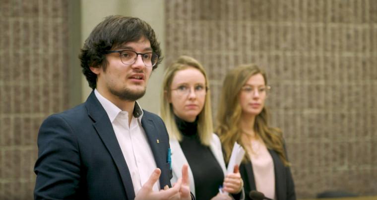 Philippe Beaulieu et ses collègues de travail, lors de leur présentation du 18mars