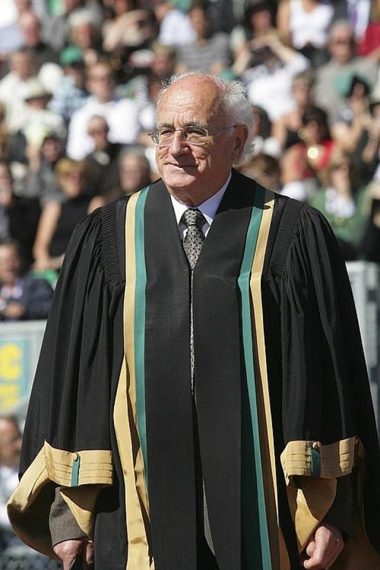 Paul Inchauspé, nouveau docteur d'honneur en éducation.