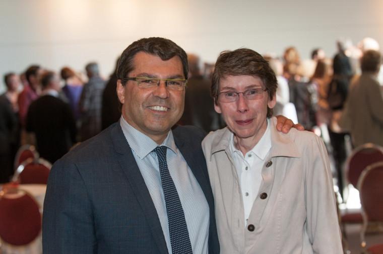 Serge Striganuk, doyen de la Faculté d'éducation avec Marcelle Gingras, professeure.