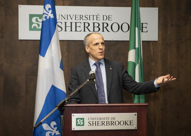 Le professeur Pierre Cossette, recteur de l'Université de Sherbrooke.