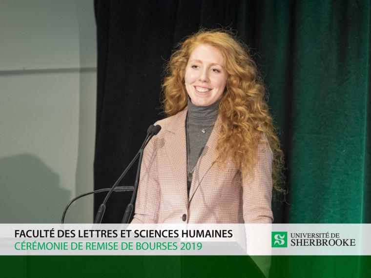 Nouvellement lauréate du Prix Polyvalence remis la veille lors de la 35e édition du Défi étudiant, c'est une Daphné Poulin dynamique et fière qui s'est présentée sur scène pour témoigner de l'importancedes bourses dans son parcours académique.
