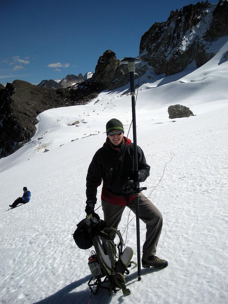 Prise de mesures GPS et radar sur les glaciers de la Cordillère royale