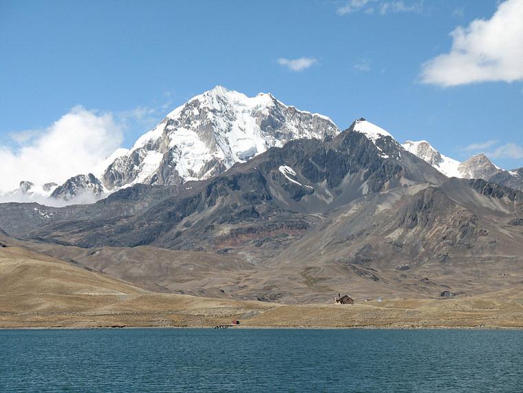 Le Nevado Huayna Potosi (6088 m)