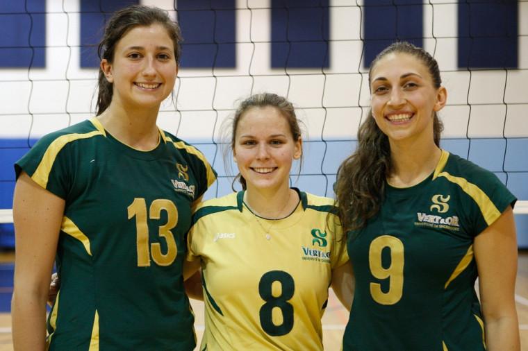 Les trois étoiles du Vert & Or à Tampa: Sarah-Jeanne Meunier-Bédard, Joanie Whittom et Catherine Deslauriers.