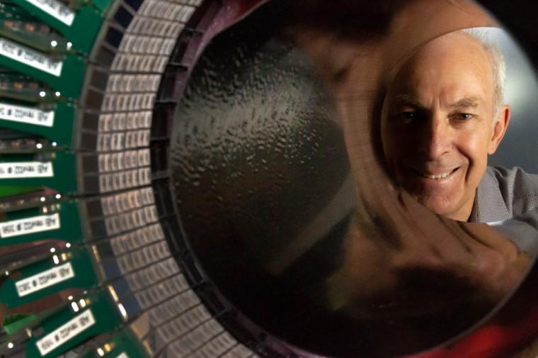 Le Pr Roger Lecomte, précurseur et leader mondial dans les domaines de l'imagerie moléculaire et de la médecine nucléaire.