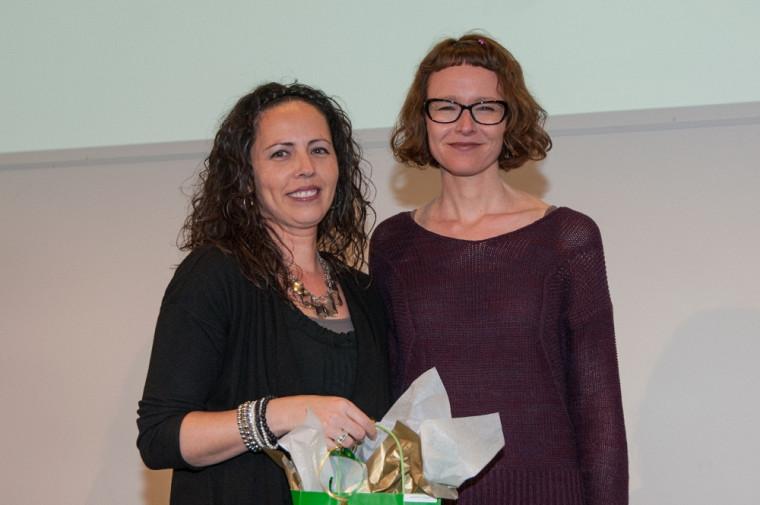 La gagnante du Grand Prix littéraire, Isabelle Huard, en compagnie de July Giguère, professeure au Cégep de Sherbrooke et membre du jury.