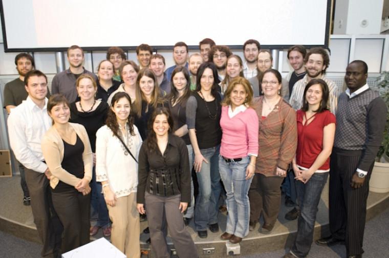 Chaque année depuis 26ans, le Défi étudiant honore l'engagement de groupes et d'individus. Cette photo montre les lauréats de l'édition 2009.