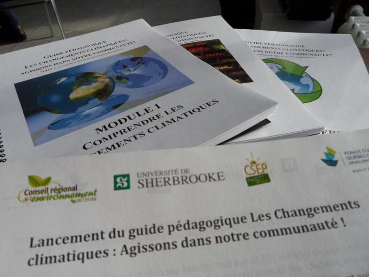 Le guide pédagogique Les changements climatiques: agissons dans notre communauté!