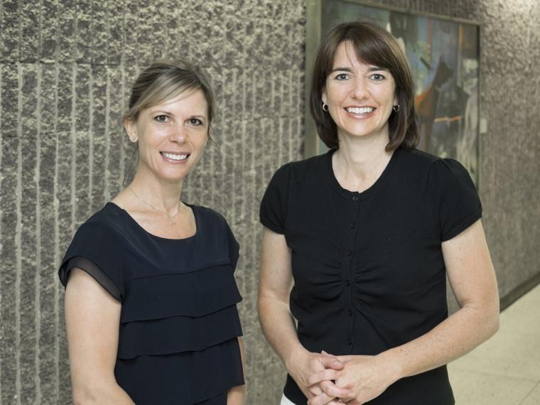 Les professeures Mélanie Bourassa Forcier et Anne-Marie Savard.